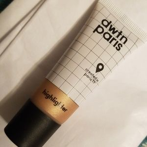 5/25 bundle.  dwtn paris Highlighter
